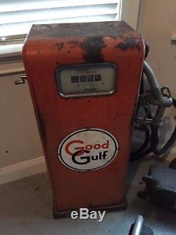 1950's Gasboy Model 100 Vintage Gas Pump with Good Gulf Signs Original