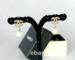 Authentic Chanel CC Logo Pearl Earrings Gold Tone Studs Vintage