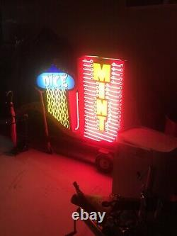 Neon Vintage Las Vegas Casino Sign